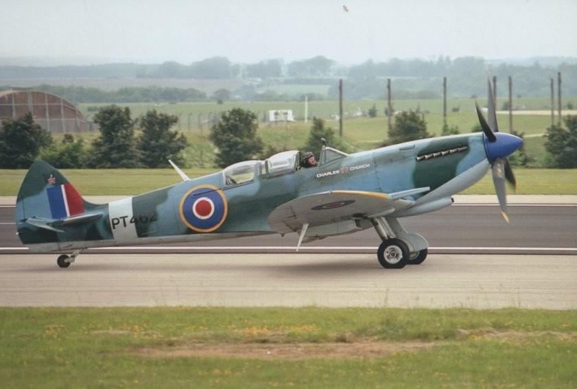 Colour photograph of Spitfire Mk IX PT462